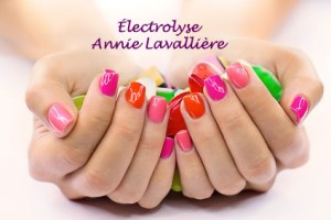pose-ongles-manucure-pedicure-electrolyse- soin-corporel-esthetique-main-annie-lavalliere-granby-artistic-color-traitement